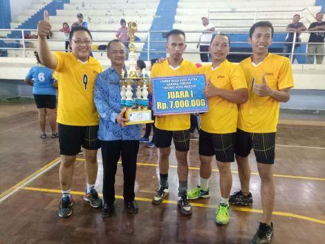 Kelurahan Kanigoro mendapatkan Juara 1 lomba bola volly putra dalam rangka memperingati Haornas 2017