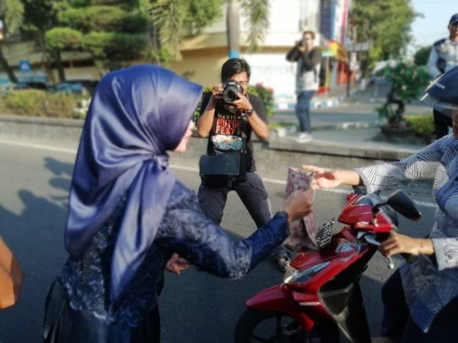 Bagi Takjil gratis Ramadhan 1439H,Bersama KIM kota Madiun